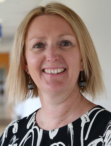Adjunct Professor Naomi Dobroff FACN