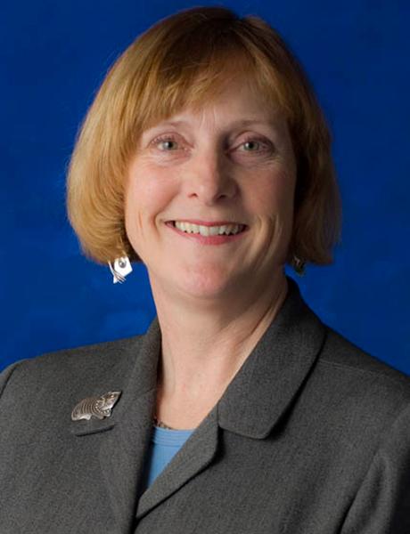 Dr Lynette Cusack MACN
